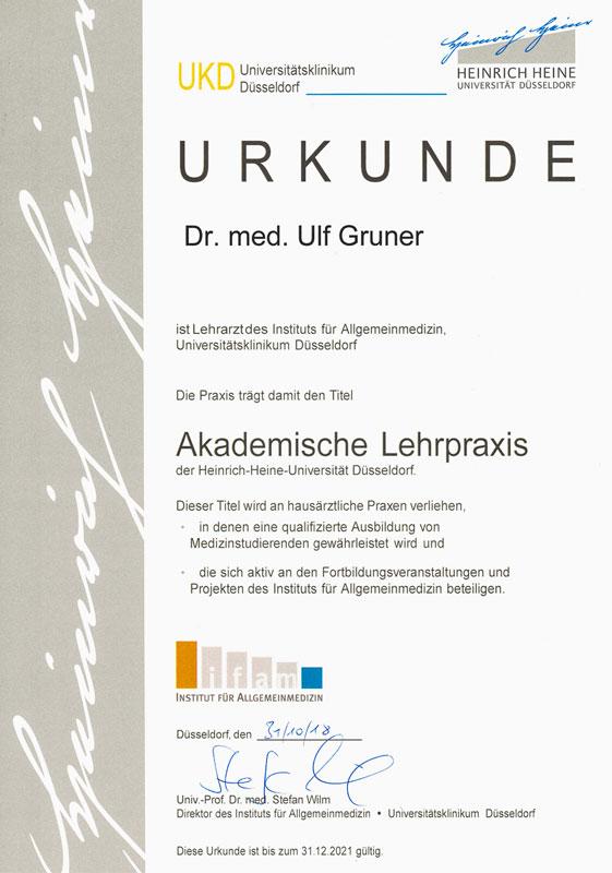Akademische Lehrpraxis, Urkunde von Dr. Ulf Gruner, Lehrarzt des Instituts für Allgemeinmedizin, Universitätsklinikum Düsseldorf