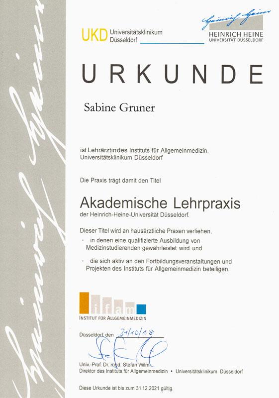 Akademische Lehrpraxis, Urkunde von Sabine Gruner, Lehrärztin des Instituts für Allgemeinmedizin, Universitätsklinikum Düsseldorf